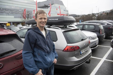 Kjetil Endal er på Åsane senter for å handle julegaver.