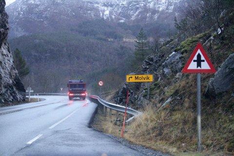 Både innbyggere og trafikanter har i lang tid trukket frem kryssene ved Molvik og Bjørsvik som trafikkfarlige.