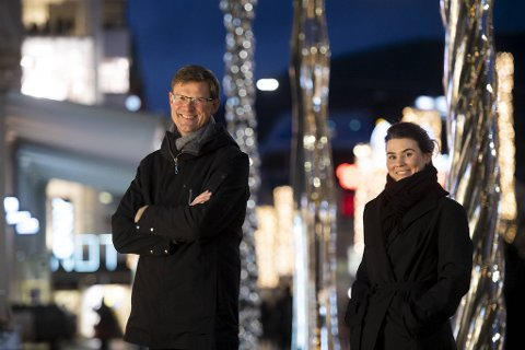 Aksel Mjøs og Elizabeth Bovoli i Gi gaven videre hjelper bedrifter med å hjelpe.