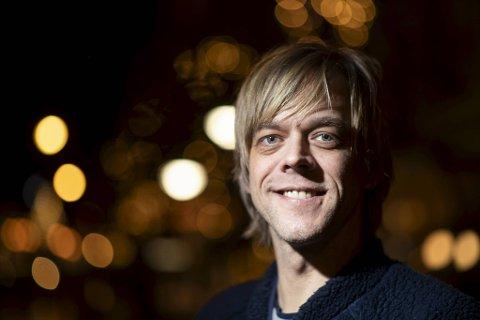 Calle Hellevang-Larsen elsker å spille på Ole Bull Scene. Det var her karrieren hans som underholder startet og skjøt fart. Det finnes ikke bedre sted p spille på enn Ole Bull Huset, mener han.