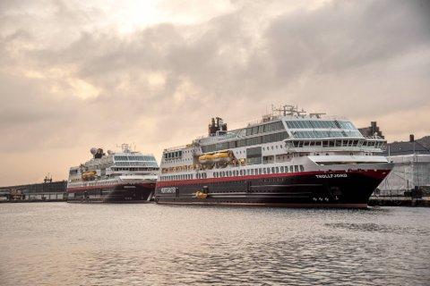 MS «Trollfjord» og MS «Midnatsol» ligger begge til kai ved Festningskaien. Begge skal inn i nye ruter fra 2022.