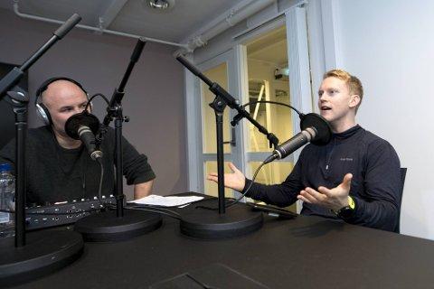 Jan Gunnar Kolstad og Mathias Macody Lund snakker om en heller traurig fotballmandag i Bergen.