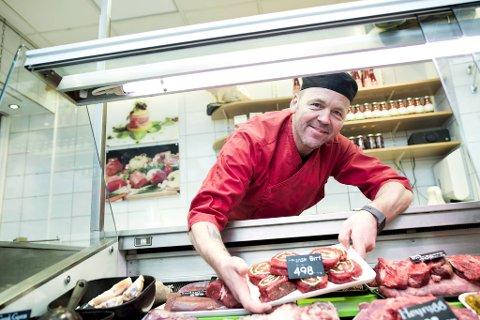 Lokale råvarer og kortreist mat er veldig viktig for Solheim Kjøtt. Daglig leder Bjarte Birkeland legger bak seg et suksessår sammen med resten av gjengen på Danmarksplass.