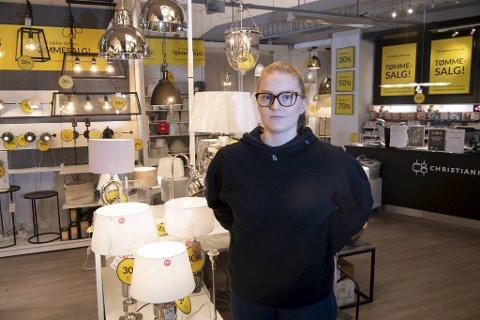 Vilde Ingvaldsen (20) jobber på Christiania Belysning. Hun er også datteren til BI-lektor Robert Ingvaldsen.