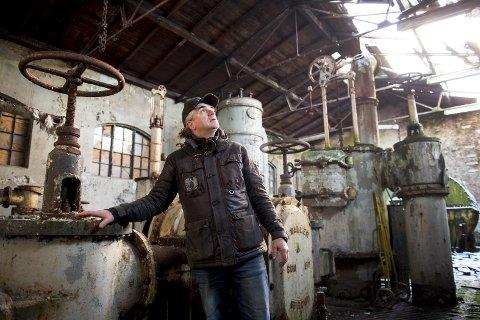 Roger Iversen har store planer                     for gassverkbygget, som mandag ble foreslått som ny moske av velforeninger i Bergen.