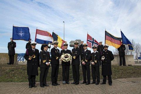 16 år har gått siden marineoffiseren ble funnet død i Belgia, like ved der seremonien fant sted.