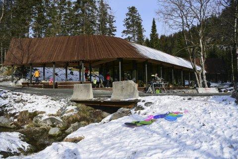 Den nye varmestuen, Skomakerstuen, åpnet onsdag formiddag ved Skomakerdiket.