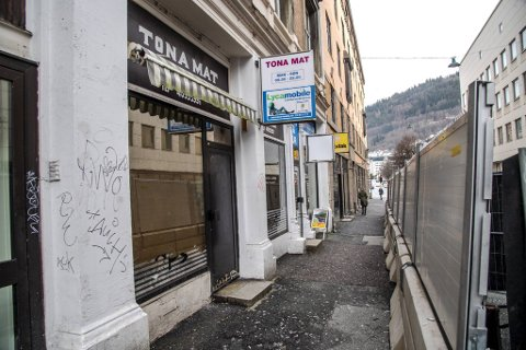 Mattilsynet mente forholdene i butikken var av en så alvorlig karakter at det kunne utgjøre helsefare. Butikken ble stengt på dagen under inspeksjonen 14. januar.