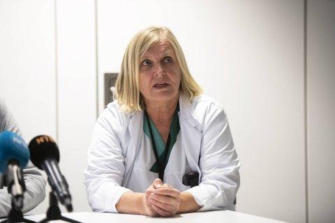 Legevaktsjef Dagrun Waag Linchausen fortalte på pressekonferansen lørdag at fire nye i Bergen er smittet av korona. Totalt fem personer er nå smittet i Bergen.