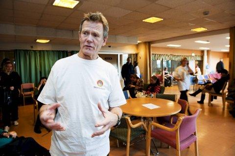 – Jeg ville lagt mer vekt på helsefaglig ekspertise. Nå er situasjonen for politisk styrt, sier tidligere smittevernoverlege Øystein Søbstad. Han trekker paralleller til tidligere utbrudd som Bergen har opplevd.