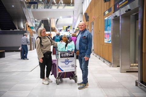 Ekteparet Sleipnes kommer rett fra karantene på hotellet i Gran Canaria, til 14 dagers karantene i Norge.