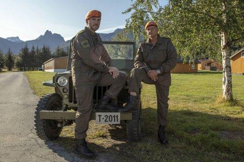 Radarparet Dag Otto Lauritzen og Kristian Ødegård har trukket i hærens grønne offisersuniformer for å stramme opp et knippe kjendiser. TV 2-serien er populær i disse koronatider.