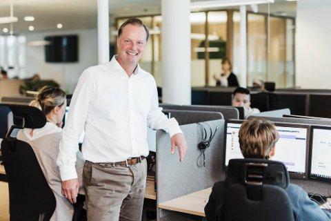 Daglig leder Øyvind Thomassen i Sbanken sier banken vil hjelpe kunder nå som de trenger det mest.