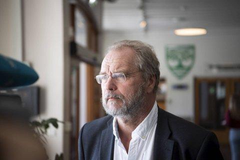 VIL OPNE : Fylkesmann Lars Sponheim tek til orde for å la dei yngste gå op skulen,
