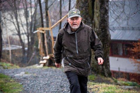83 år gamle Olav Orrestad er oppgitt over folk som ikkje viser omsyn når dei er ute på tur.