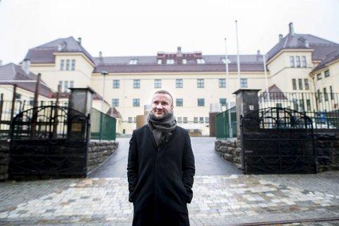 Kjartan Navarsete er rektor på Møhlenpris skole. Han vet lærerne har ekstra fokus på de elevene som ikke har det så lett som andre.