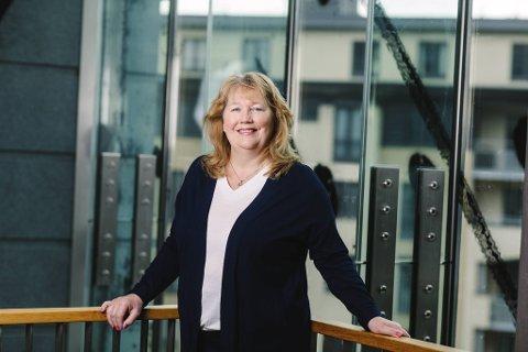 Regiondirektør Grete Karin Berg i NHO vil prioritere veiprosjektene som kan settes i gang raskest.