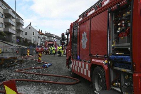 Store brannmannskaper rykket ut til en brann på Laksevåg onsdag ettermiddag.
