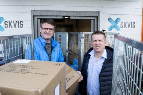 Sten Arve Andersen (t.v.) og Tarjei Vedå Vangdal opplever stor fremgang med nettbutikken Skvis.no for tiden.
