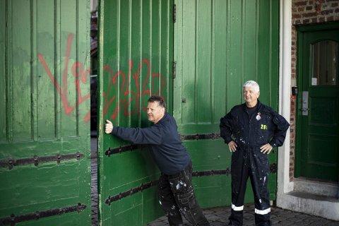 Hver gang Bergen Brandkorps historielag maler den grønne porten, tar det ikke lange tiden før noen med sprayboks i hånden er bortom og tagger.