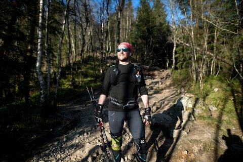 Tommas Nilsen Aksdal sin rekord er 12 ganger opp og ned Løvstakken i løpet av åtte timer. Nå ønsker han å slå rekorden fra vinteren 2018.