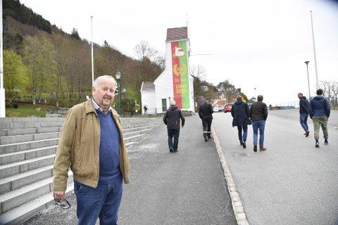 Erik Næsgaard, formann i 17. mai-komiteen, ber folk om å holde seg i nærmiljøet på nasjonaldagen.