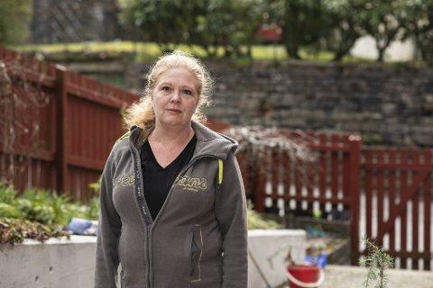 Leder for Utdanningsforbundet i Bergen, Bente Ingeborg Myrtveit, er bekymret for at skoler og barnehager skal åpne før resten av samfunnet.
