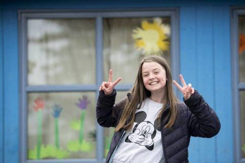 - I sommer skal vi være på hytten på Radøy, for jeg tror ikke vi får lov til å dra til utlandet, sier Mia Ty Skjelvik (9).