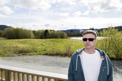 Enkelte naboer, som Thomas Espeland, mener at stolpen vil være negativ for området.