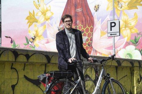 Klimabyråd Thor Haakon Bakke håper flere får øynene opp for fordelene ved el-sykkel.