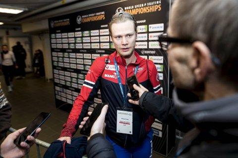 Skøyteløperen Håvard Lorentzen har takket nei til profftilbudet fra Nederland.