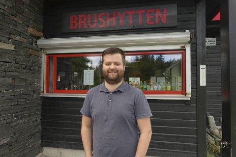 GLAD: Formann Jørgen Fie Padøy Mathiesen gleder seg over at brushytten kan holde sommeråpent for fjerde år på rad.