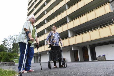 Odny Frammarsvik Ingvaldsen og Turid Løtvedt var tirsdag utendørs for første gang.