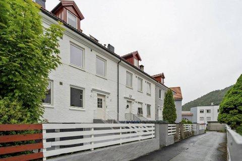 Nylig ble en 3-roms leilighet her i Bjørnsons gate på Kronstad solgt for 560.000 kroner over prisantydning etter 27 privatvisninger, ifølge W Eiendomsmegling.