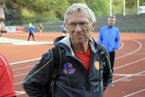 Arne Risa har holdt kretsrekorden på 10.000 meter i 49 år!