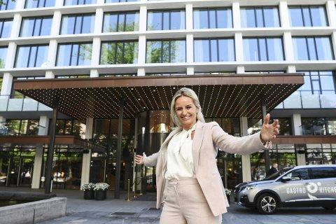 Hotelldirektør Lise Solheim gleder seg over at Hotel Norge nå har åpnet etter nesten 12 uker med stengte dører.