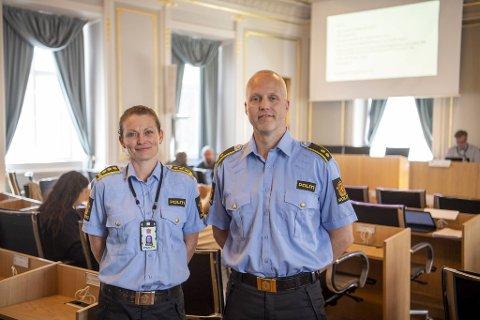 Monica Mørk er enhetsleder ved Bergen vest politistasjon. Sammen med politioverbetjent Øystein Samsonsen fortalte hun politikerne om forebyggende arbeid tirsdag kveld.