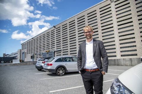 Parkeringsplassene på Hurtigruteterminalen vil bli tilgjengelige i løpet av noen få dager, eller senest i neste uke.– Dette er en spesiell sommer på grunn av pandemien, sier byrådsleder Roger Valhammer (Ap).