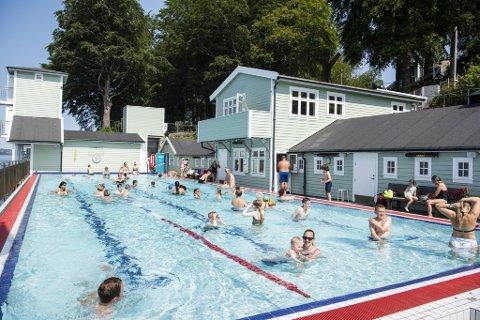 I dag er det 110 år siden Nordnes sjøbad først åpnet. Selv om stedet har blitt oppgradert underveis, blant annet i form av dette bassenget, er det nokså likt som i 1910.