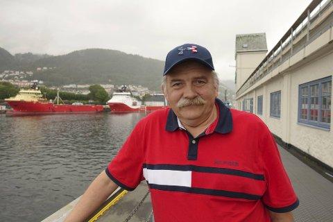 TILBAKE I ARBEID: Erik Lofnes sier jobben er en livsstil og at mye arbeid bare er gøy. Nå har han åpnet seilskuten for ulike sommerturer.