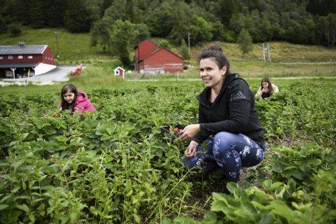 Emilia Andersen (49) tok turen med døtrene Teresa (10) og Cecilia (8).