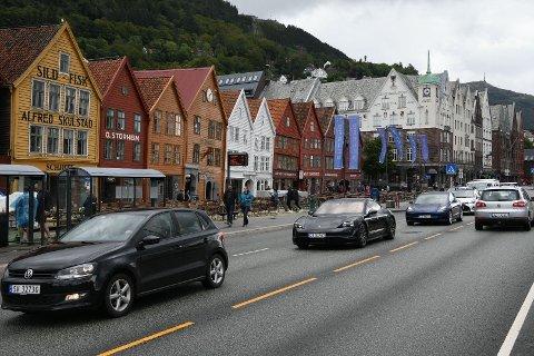 Her går trafikken over Bryggen igjen.