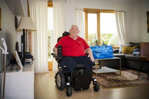 Maurice Couillault (72) forstår ikke hvorfor en omsorgsbolig ikke blir prioritert.