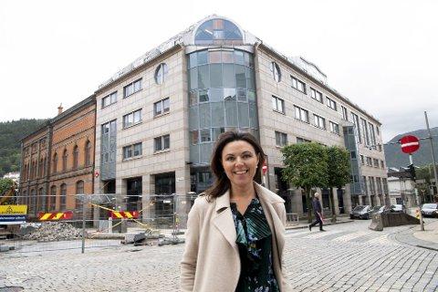 Nina Remøy Wiik i Nordea ser frem til å kunne samle gjengen i Olav Kyrres gate.