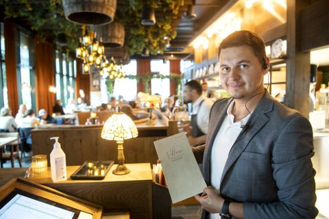 Hovmester Rado Maricec ser frem til nye ansatte. – Fordel om man liker å lage pizza.