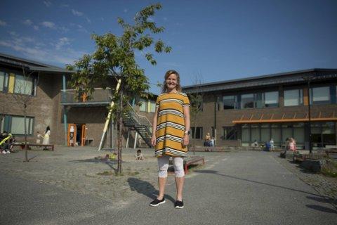 Marianne Haugland er rektor på Søråshøgda skole. Der begynner 93 elever i første klasse mandag.
