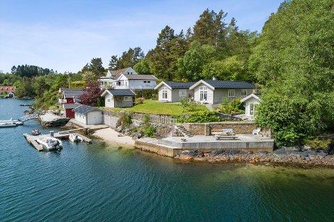 Hytten på Hjellestad ble lagt ut i sommer. Nå er den solgt for prisantydning på 14 millioner kroner.