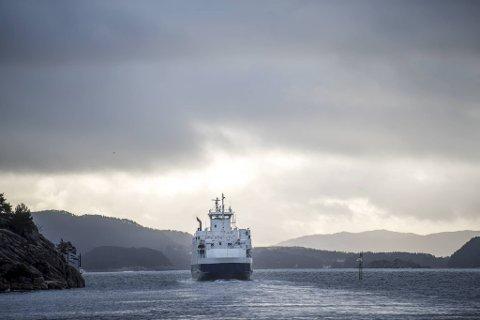 En kaptein og overstyrmann gikk til sak mot Fjord1 da de ikke ville ha ansvar for blant annet svelene om bord. Bildet er et illustrasjonsfoto og viser ikke den aktuelle fergestrekningen.