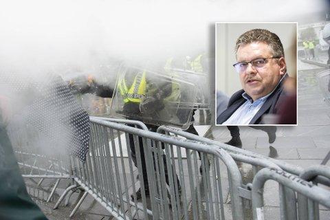 Ap-leder i Bergen, Geir Steinar Dale (innfelt) er kritisk til politiets arbeid både før og under demonstrasjonen.