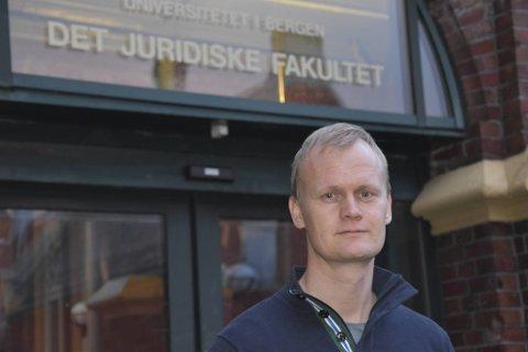 Hans Fredrik Marthinussen synes ikke at det var overdrevent av politiet å bruke tåregass.